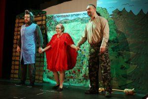 Piroska és a farkas mese előadás 2