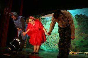 Piroska és a farkas mese előadás